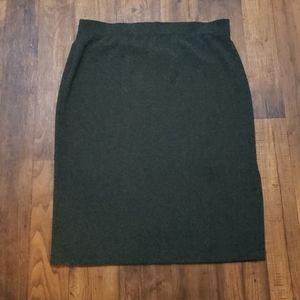 Soft by Avenue Gray Midi Skirt Size 18/20